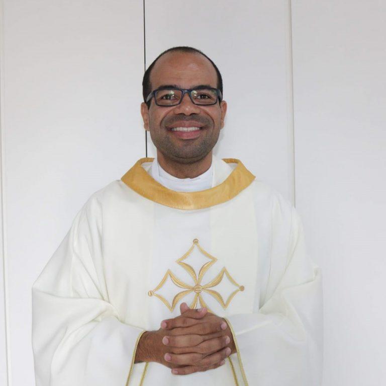 Pe. Denison Costa