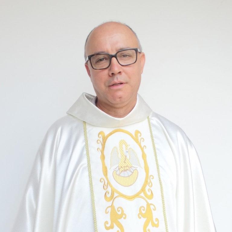 Pe. Aguinaldo Gualberto Pires