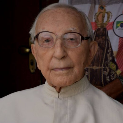 Pe. Pedro  Lacerda Gontijo